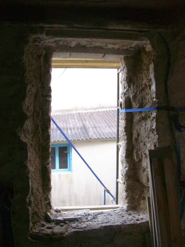 Ouvrir refaire des fen tres dans mur en pierres for Coffrage pour appui de fenetre
